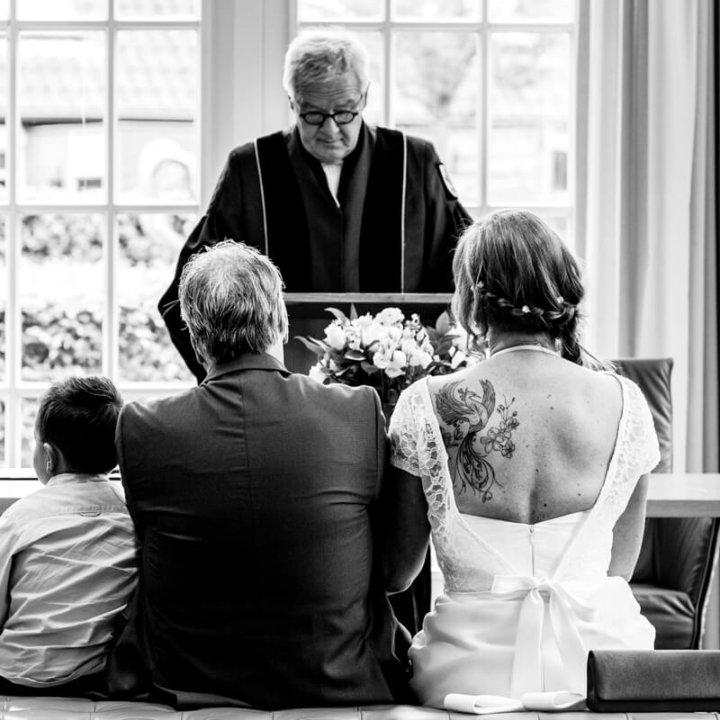 Korte bruiloft Gemeentehuis Blaricum - Huizen - Trouwfotograaf het Gooi